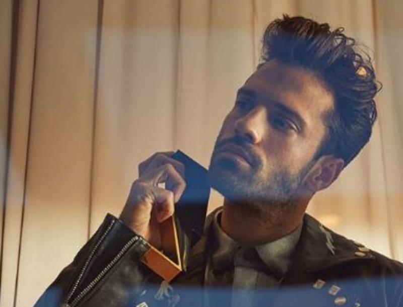 Το μήνυμα του Κωνσταντίνου Αργυρού που πρέπει να ακούσεις με τα ακουστικά σου - Απίστευτο