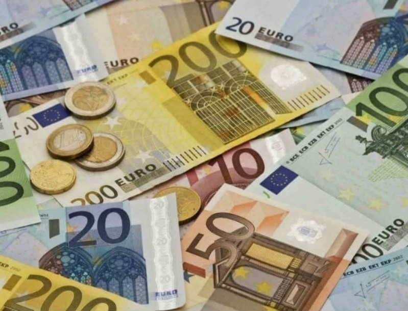 Κορωνοϊός: Άνοιξαν οι πλατφόρμες για τα 800 ευρώ - Πως θα τα πάρετε