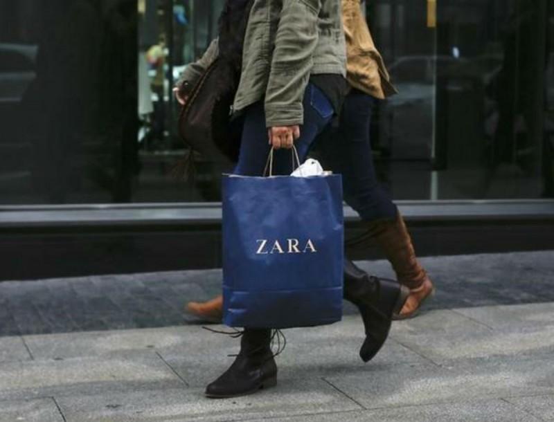 Βάλε μοβ στη γκαρνταρόμπα σου με αυτό το φόρεμα από τα Zara