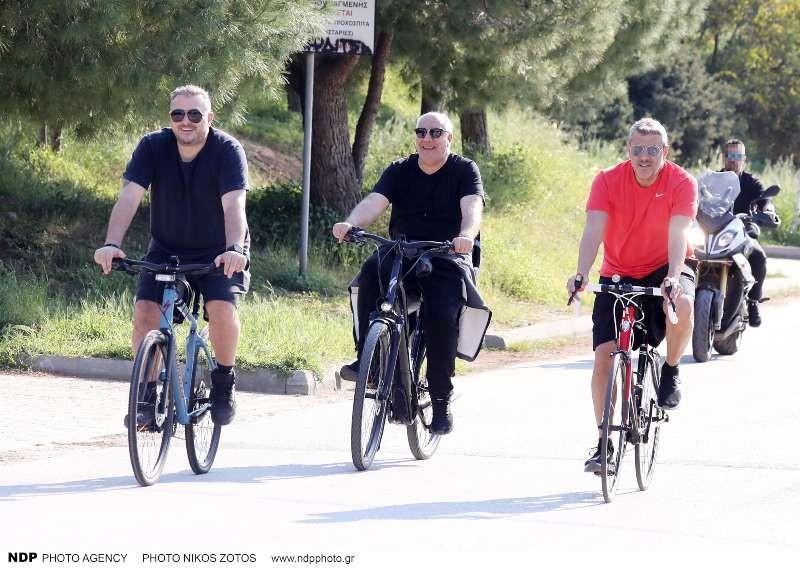 Αντώνης Ρέμος - Στέλιος Τσακίρης - Κώστας Πηλαδάκης με ποδήλατα