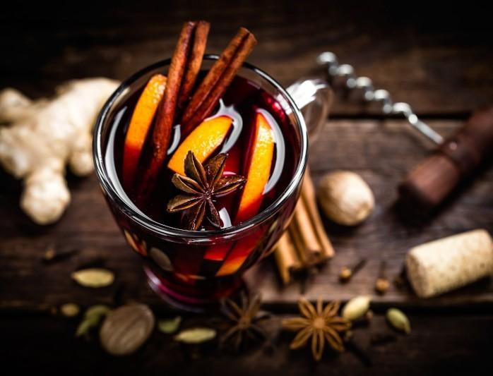 Θαυματουργό ρόφημα! Πιες ζεστό χυμό πορτοκάλι με κανέλα και θα νικήσεις την αρρώστια