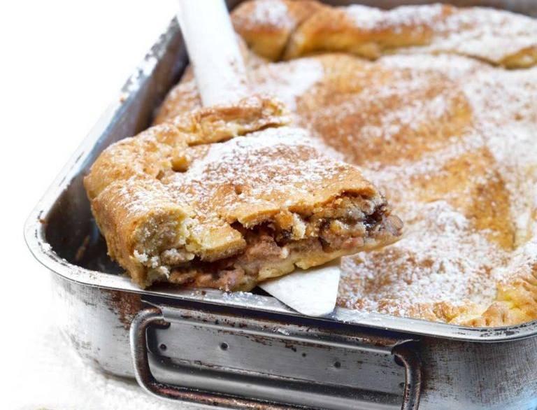 Νηστίσιμη μηλόπιτα χωρίς αυγά με κανέλα και καρύδια - Γευστική κόλαση από την Αργυρώ Μπαρμπαρίγου