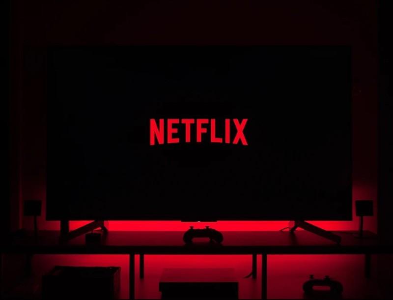 Οι 2+1 σειρές του Netflix που θα κάνουν την καραντίνα παιχνιδάκι