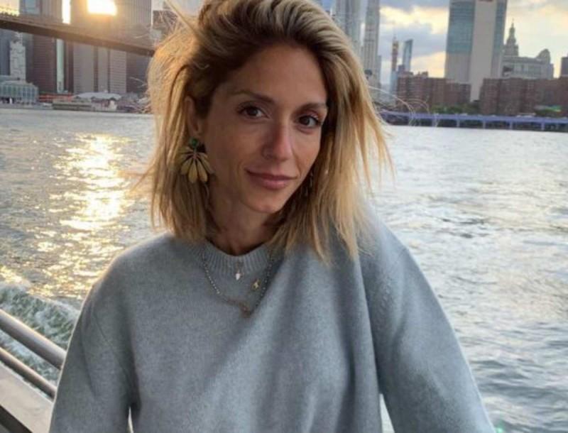 Με αέρα μοντέλου η κόρη της Άννας Βίσση, Σοφία Καρβέλα - Δείτε τη να ποζάρει