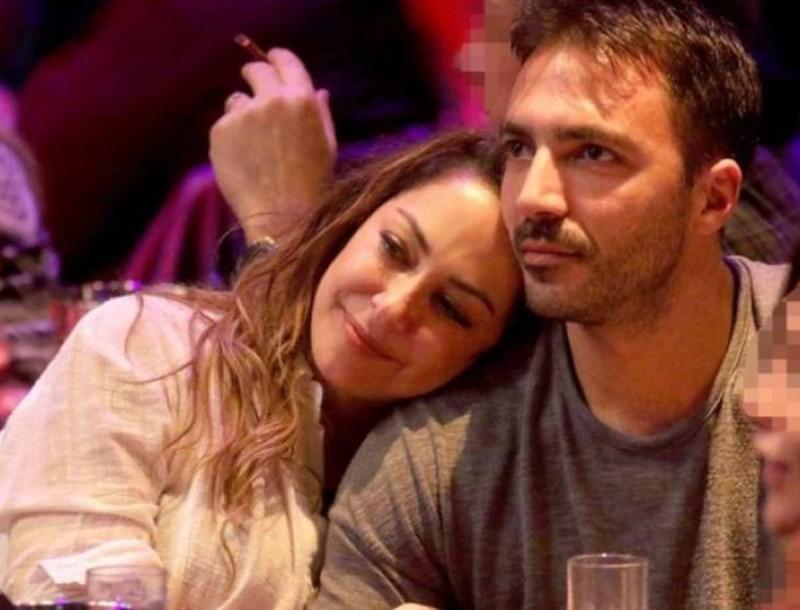Μελίνα Ασλανίδου: Στην Κρήτη με τον σύντροφό της - Η φωτογραφία με το φόρεμα που «κόβει» την ανάσα