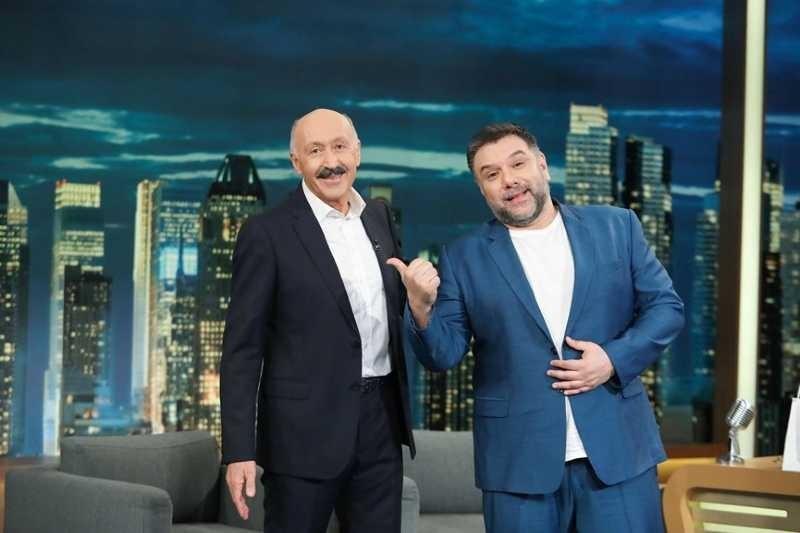 Γρηγόρης Αρναούτογλου καλεσμένοι The 2night show νούμερα