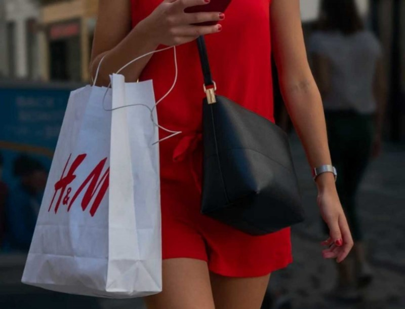 Σε 8 χρώματα βγαίνει το πιο άνετο μαγιό των H&M - Κάνε το δικό σου μόνο με 12,99
