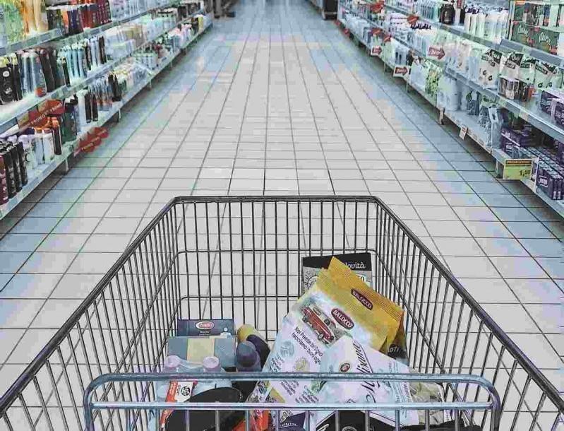 Χαμός στον Σκλαβενίτη - Προσφορές σε προϊόντα που θέλει κάθε σπίτι