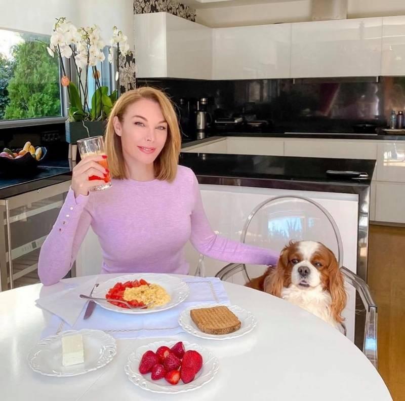 Τατιάνα Στεφανίδου κουζίνα σπιτιού