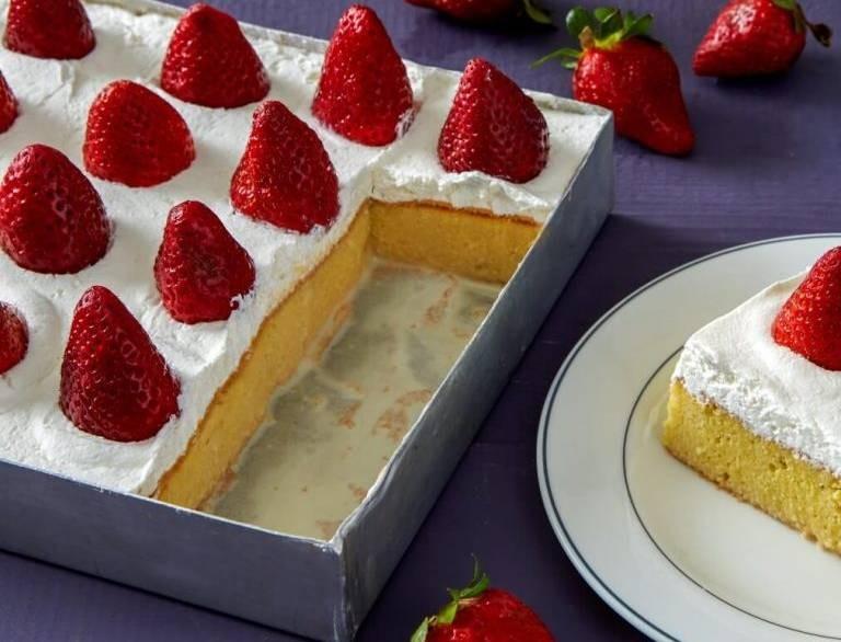 Το πιο διάσημο γλυκό ψυγείου με φράουλες από την Αργυρώ Μπαρμπαρίγου - Πεντανόστιμο