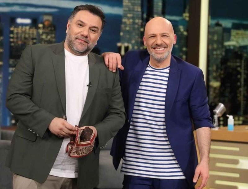 The 2night show: Θα φέρει 40άρι στην τηλεθέαση ο Γρηγόρης Αρναούτογλου με τον Νίκο Μουτσινά