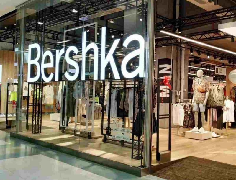 Φωτιά στα Bershka με αυτή η τζιν βερμούδα - Σπάει ταμεία