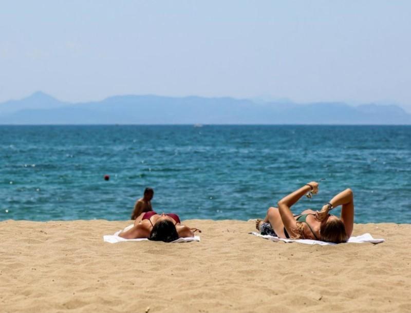 Καιρός σήμερα 29/6: Μίνι καύσωνας προ των πυλών - Στους πόσους βαθμούς θα ανέβει η θερμοκρασία σε όλη την Ελλάδα