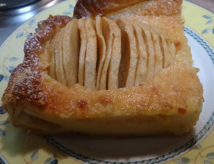 Γαλλική Μηλόπιτα με κανέλα και λίγο καστανή ζάχαρη -