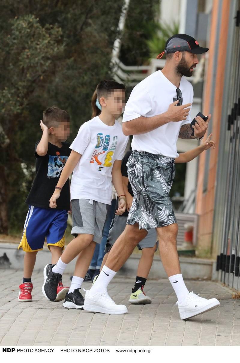 Βασίλης Σπανούλης βόλτα με τα παιδιά του
