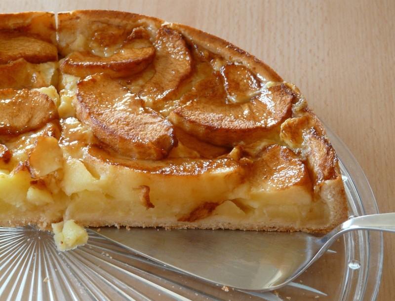 Η δεκάλεπτη μηλόπιτα της Λήμνου - Με ζαχαρούχο γάλα και κανέλα