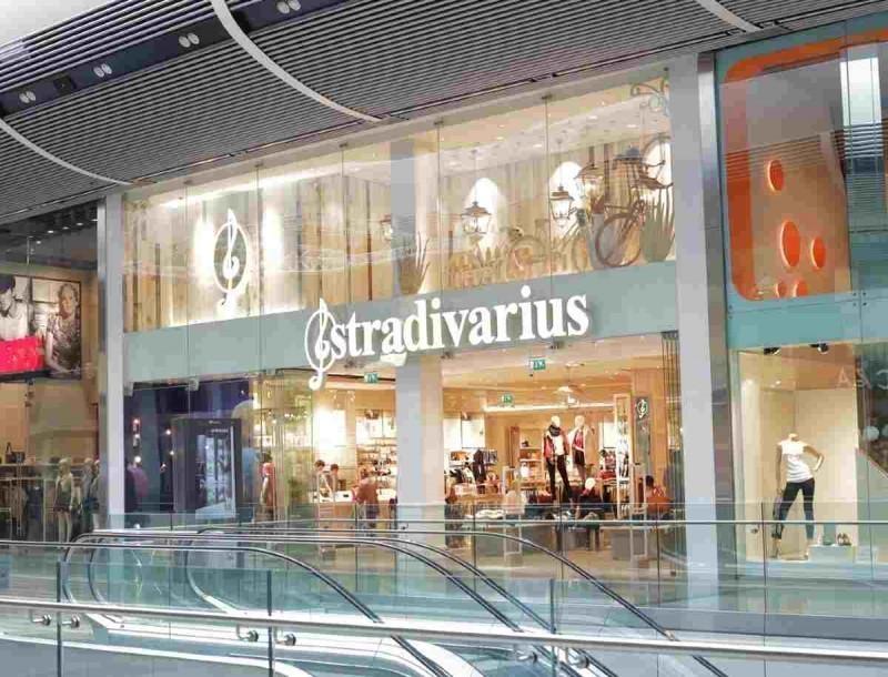 Νούμερο 1 σε πωλήσεις αυτά τα σκουλαρίκια στα Stradivarius - Θα ομορφύνουν πραγματικά το πρόσωπό σου