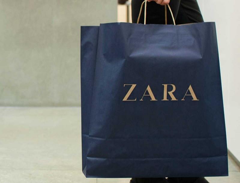 Zara - Προσφορά: 5,99 ευρώ γι αυτό το μοναδικό εμπριμέ cropped top