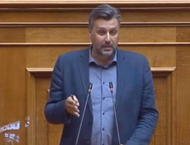 Κι όμως έγινε! Ο Γιάννης Καλλιάνος είπε τον καιρό μέσα στη Βουλή!