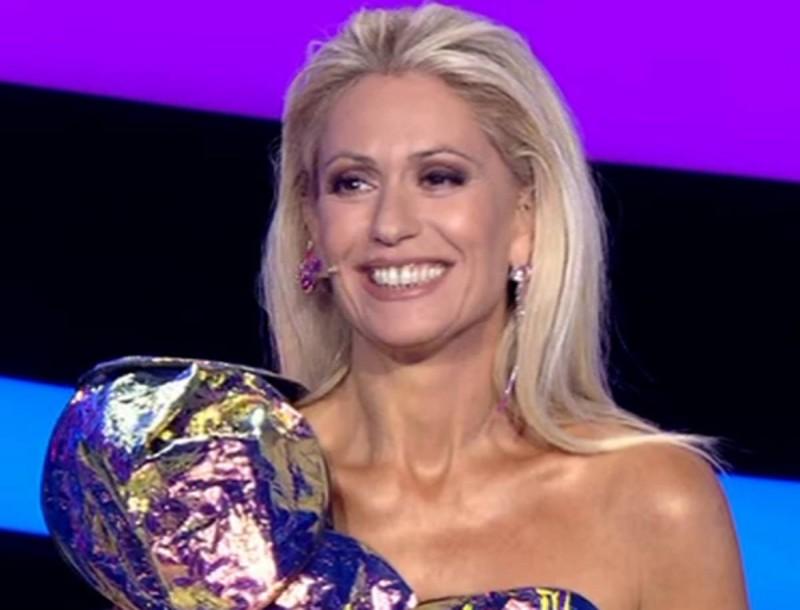 Μαρία Μπακοδήμου: Παραλήρημα στο Twitter με την εμφάνιση της παρουσιάστριας στο OPEN