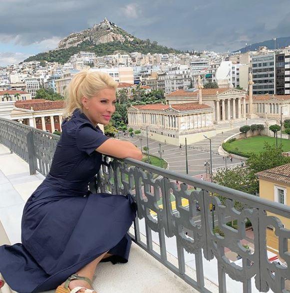 Το νέο επαγγελματικό βήμα της Ελένης Μενεγάκη και του Ματέο στην Άνδρο