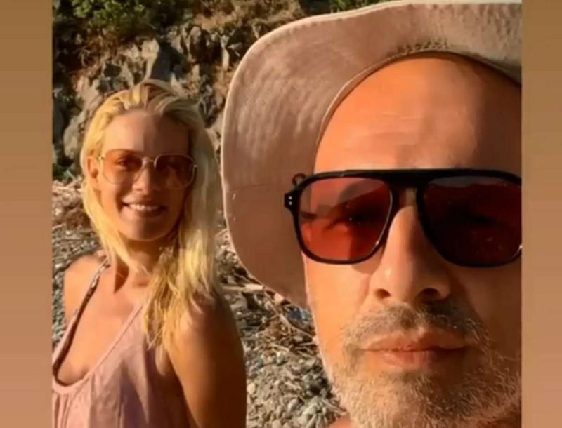 Διακοπές με τον Νίκο Μουτσινά η Ζέτα Μακρυπούλια - Δεν είδαμε πουθενά τον Μιχάλη Χατζηγιάννη