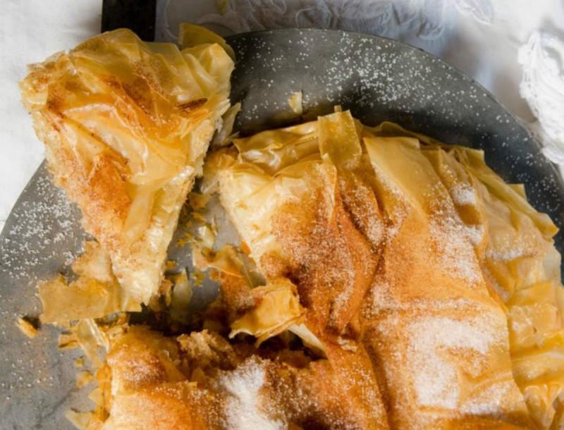 Πολίτικη μπουγάτσα χωρίς κρέμα, με κανέλα και ζάχαρη - Παραδοσιακό γλυκό με 4 υλικά