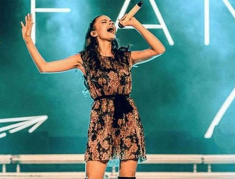 Στεφανία Λυμπερακάκη: Μετά την ακύρωση της Eurovision 20 έβγαλε νέο τραγούδι