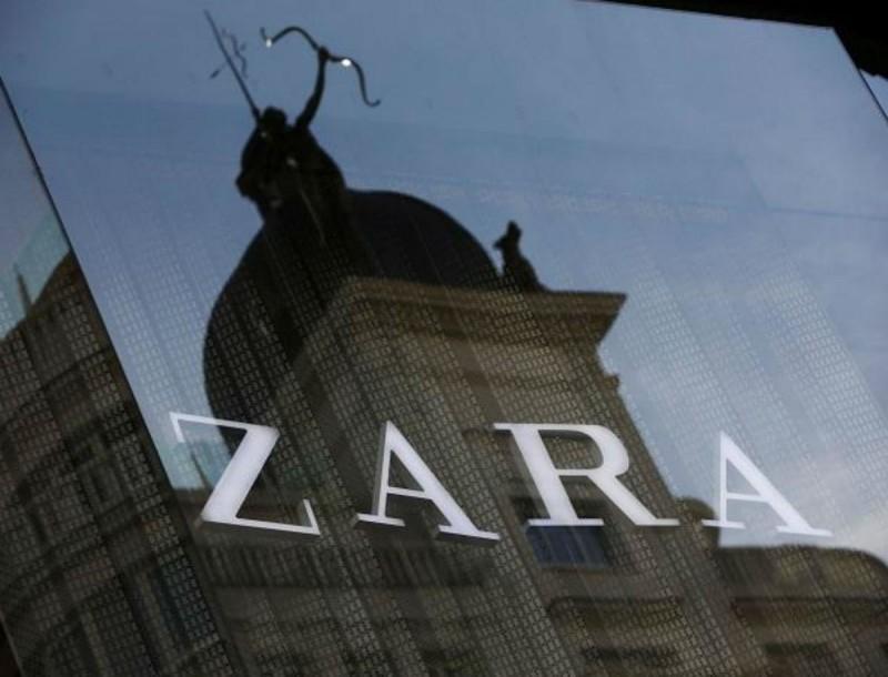 Τα 2 φλατ πέδιλα των Zara που φοράνε σχεδόν όλες οι γυναίκες στο εξωτερικό τώρα το καλοκαίρι