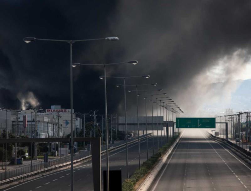 Οδηγίες της Περιφέρειας Αττικής για τη φωτιά στη Μεταμόρφωση
