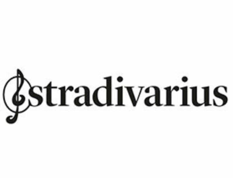 Ετοιμάσου για τις βόλτες στο νησί με αυτό το ροδακινί φόρεμα από τα Stradivarius - Στην εξωφρενική τιμή των 9,99€
