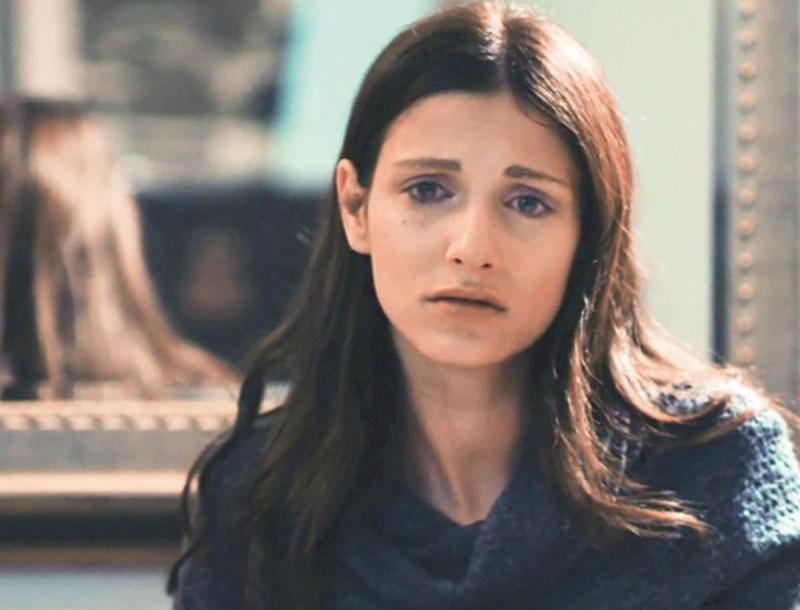 8 λέξεις: Κλονίζεται η ψυχική υγεία της Ηλιάνας - Στο σημείο που πέθανε η κόρη της θα βρει το...