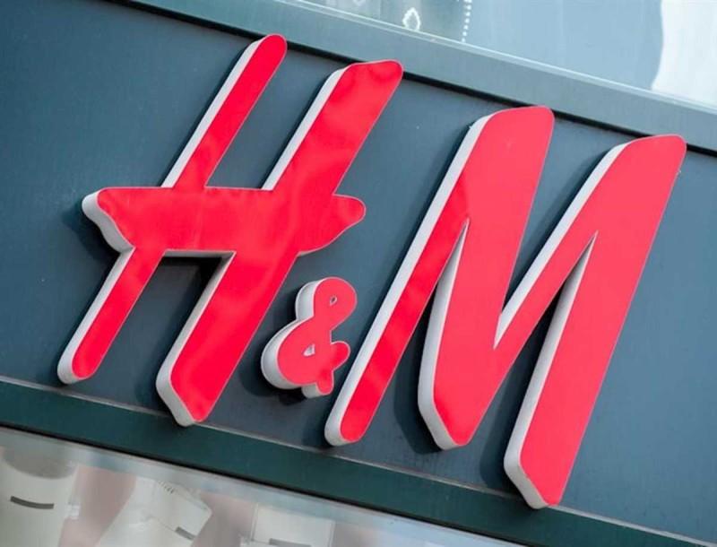 Το πιο ρομαντικό φόρεμα της σεζόν βρίσκεται στα H&M