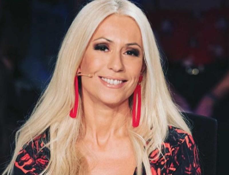 Μαρία Μπακοδήμου: Εντυπωσιάζει με τις τέλειες αναλογίες της σε ηλικία 55 ετών!