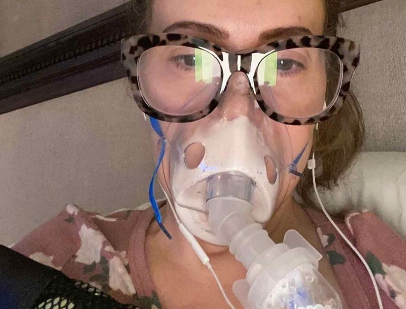 Συγκλονίζει ηθοποιός για τη μάχη της με τον κορωνοϊό - «Πίστευα ότι θα πεθάνω»