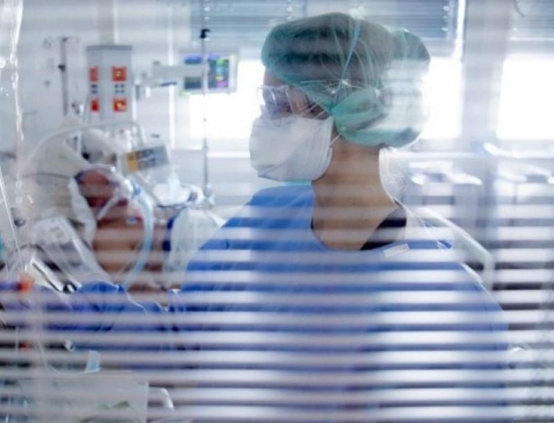 Κορωνοϊός: 27χρονη γιατρός διασωληνώθηκε στη Λάρισα!