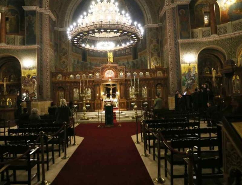 Κορωνοϊός: Νέα μέτρα στις εκκλησίες