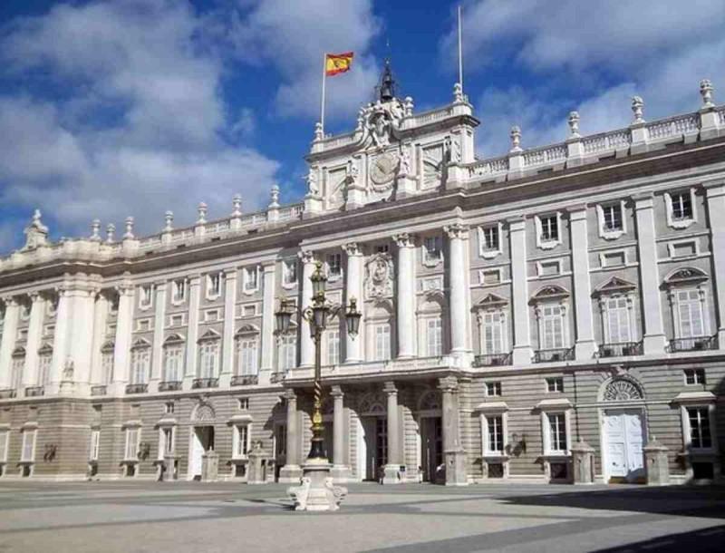 Ταραχή στη βασιλική οικογένεια - Έδιωξε τον πατέρα του από το παλάτι