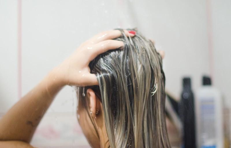 Μαγειρική σόδα στα μαλλιά