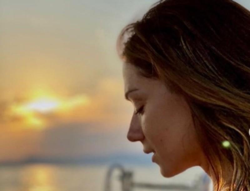 Χωρίς φίλτρα στην παραλία η Βάσω Λασκαράκη - Όλα τα βλέμματα πέφτουν στο σώμα της