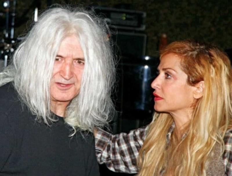 Αγκαλιά Νίκος Καρβέλας και Άννα Βίσση - Όμορφες στιγμές για το πρώην ζευγάρι