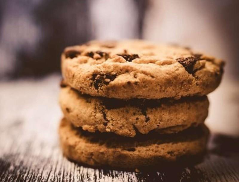 8+1 μυστικά από την Αργυρώ Μπαρμπαρίγου για τέλεια μπισκότα