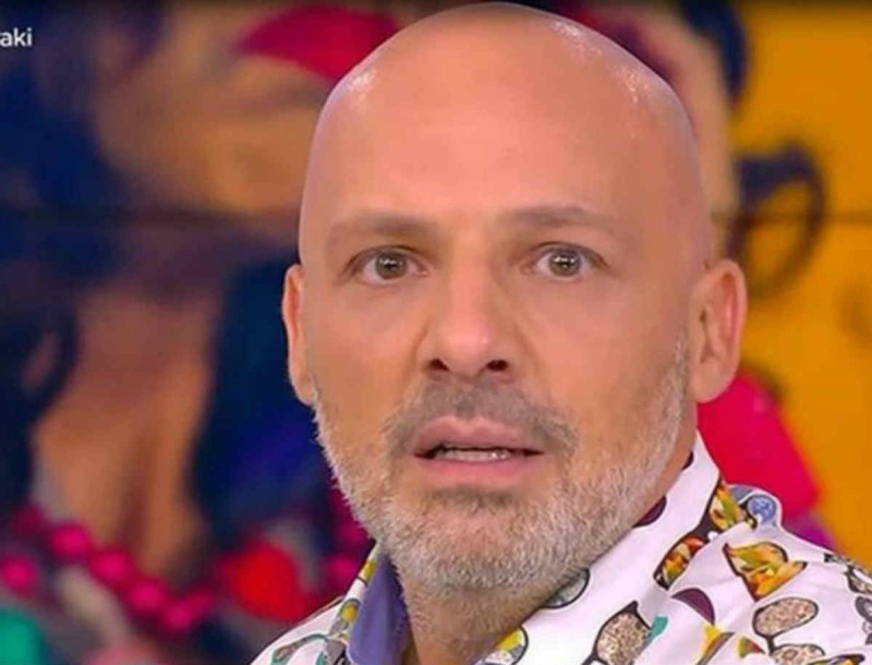 «Έδιωξαν» τον Μουτσινά από το Καλό Μεσημεράκι - Στην θέση του πασίγνωστος τραγουδιστής
