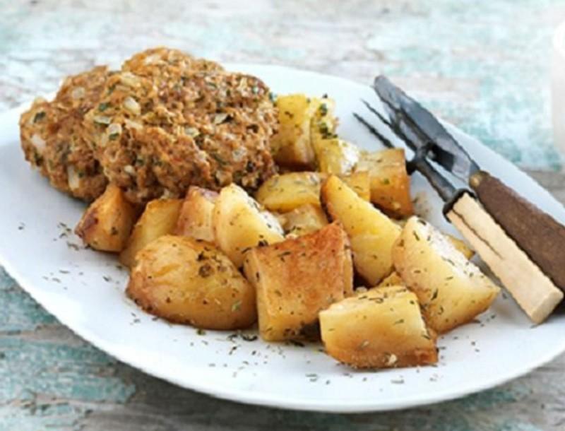 Μπιφτέκια με λίγες θερμίδες από την Αργυρώ Μπαρμπαρίγου - Έχουν βρώμη, λεμόνι και γιαούρτι