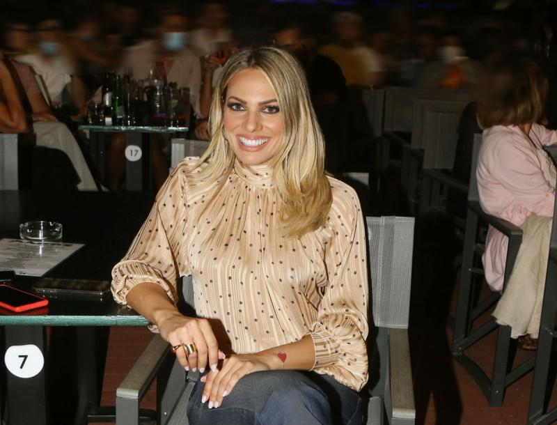 Ιωάννα Μαλέσκου: Η στυλάτη εμφάνιση της παρουσιάστριας σε βραδινή έξοδο!