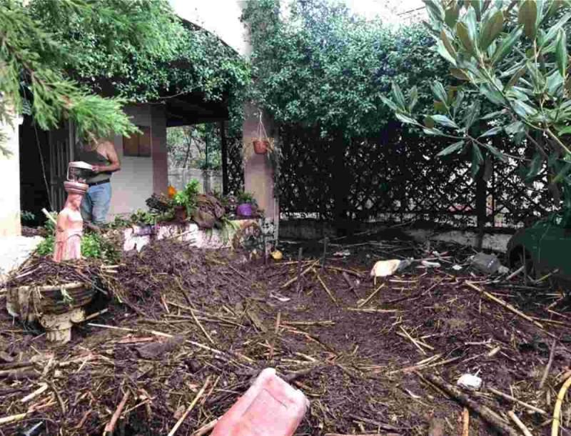 Κακοκαιρία Ιανός: Σοκαριστικές εικόνες από τις καταστροφές στο Ζηλευτό Φθιώτιδας