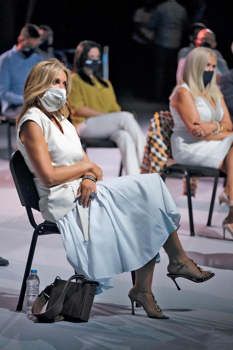 Μαρέβα Μητσοτάκη μάσκα περιοδικό You