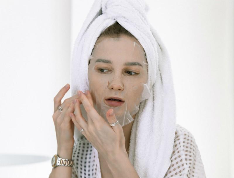 Με 40 γραμμάρια μαγειρική σόδα θα εξαφανίσει τις ρυτίδες στο πρόσωπό σου - Αυτή είναι η σπιτική μάσκα