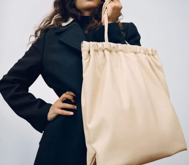 Zara τσάντα χειμώνας 2021