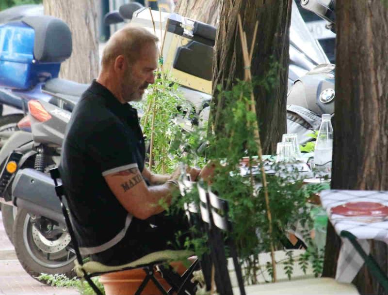 Πέτρος Κωστόπουλος: Ο φωτογραφικός φακός τον